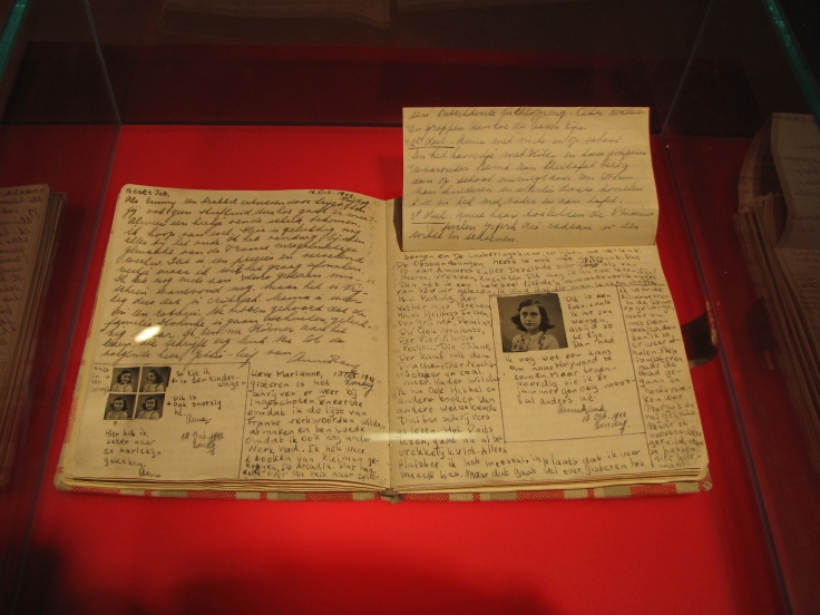 Anne_Frank_Diary_at_Anne_Frank_Museum_in_Berlin-pages-92-93.jpg