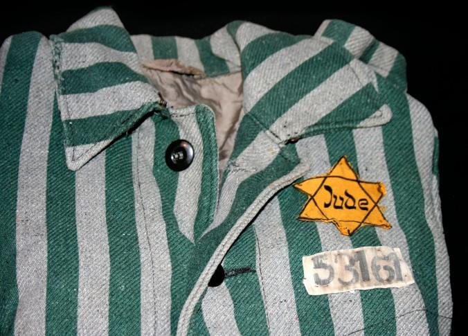 Auschwitz_outerwear_distinguish_yellow_Star_of_David.jpg