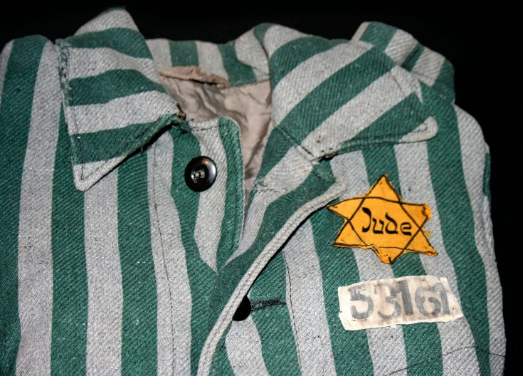 Auschwitz_outerwear_distinguish_yellow_Star_of_David.jpg
