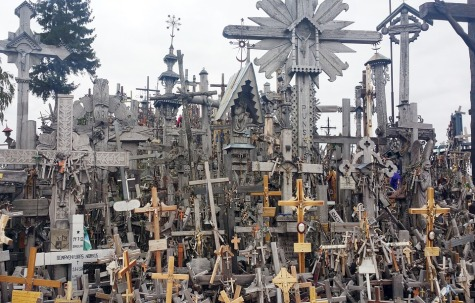hill-of-crosses-2003396_960_720